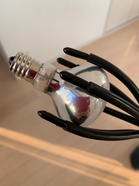 改造ランプチェンジャーで電球をつかんでみた