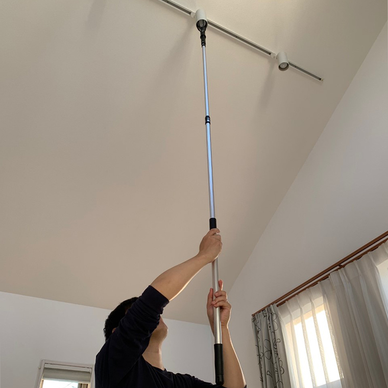 デンサンのランプチェンジャーDCL-180をDIY改造(照明の傘に引っかかって、ハマらず、全く役立たなかったため)